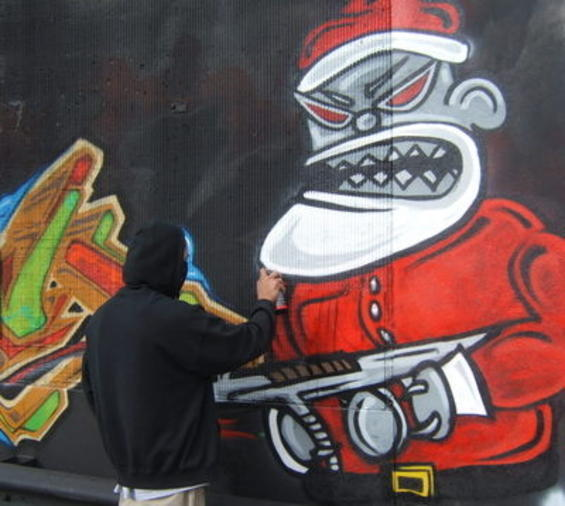 Evil-Santa-Claus-Graffiti-Gun