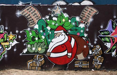 Santa-Claus-Christmas-Gifts-Graffiti
