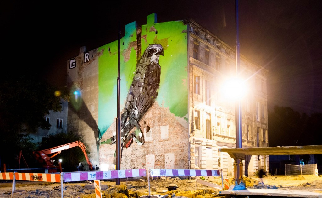 A bird on the wall – Bordalo II