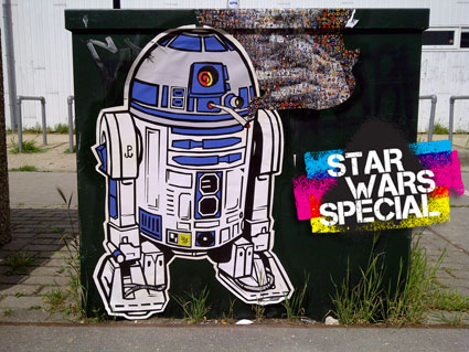 Six days  to go before Star Wars VII – Today's special : R2-D2 Street Art