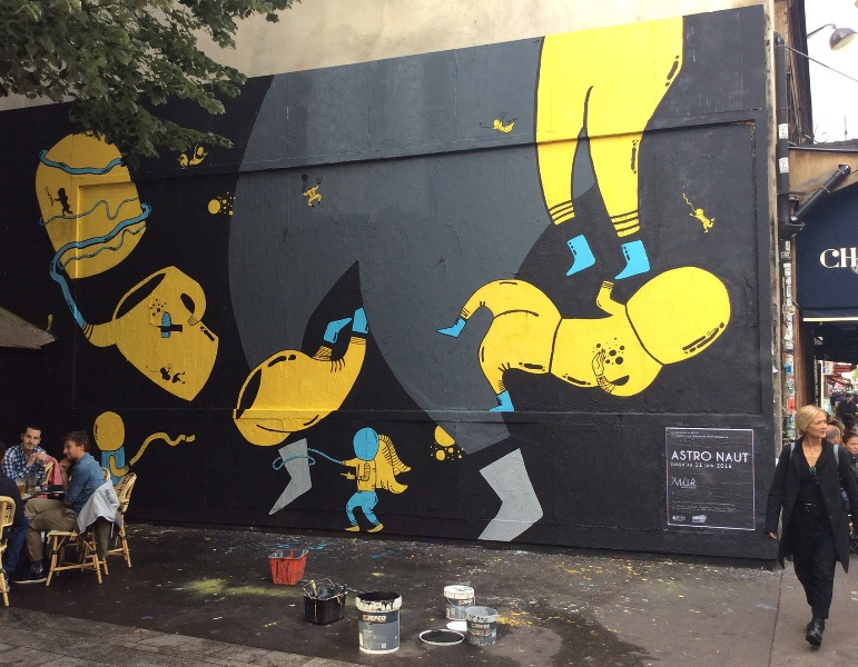 Astro Naut in Paris for Le Mur