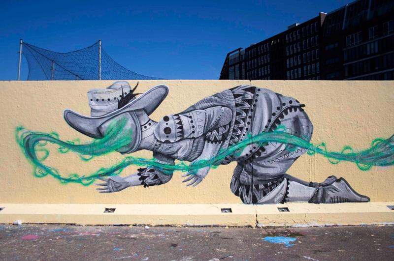 Tempus Fugit mural by Skount
