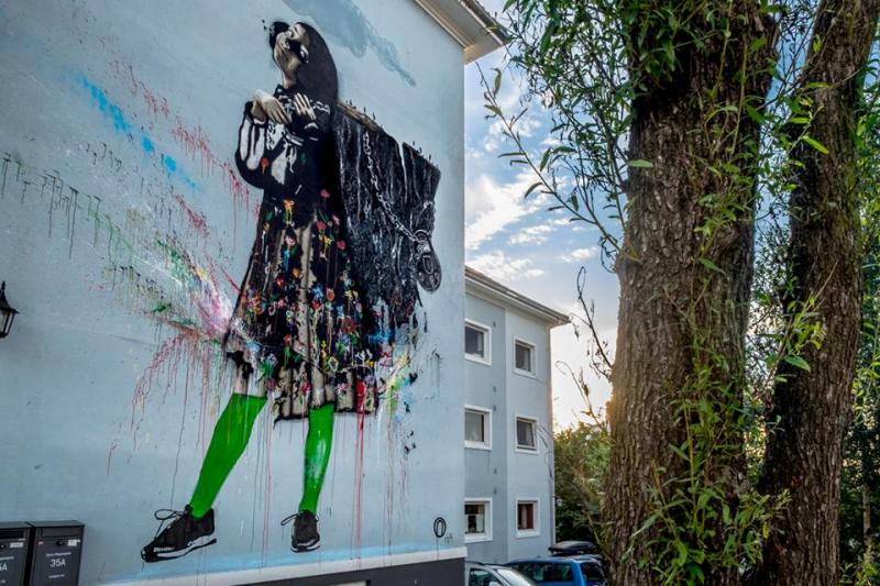 'Sofia and the Mountain' by NIMI in Stavanger