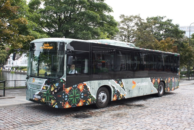 NUART FESTIVAL LAUNCHES CURATED STREET ART BUSES