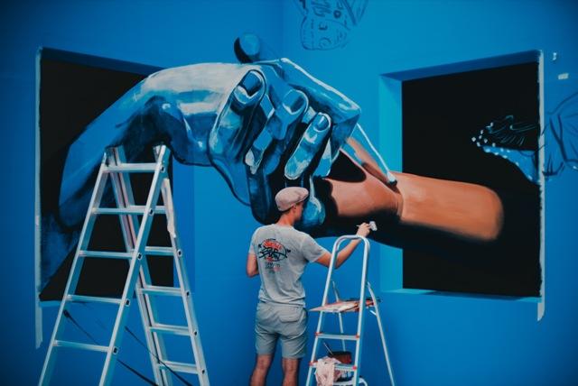 Dubai Canvas 3D Art Festival artists at work