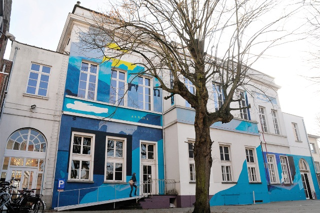 J.Mundinger paints building in Belgium