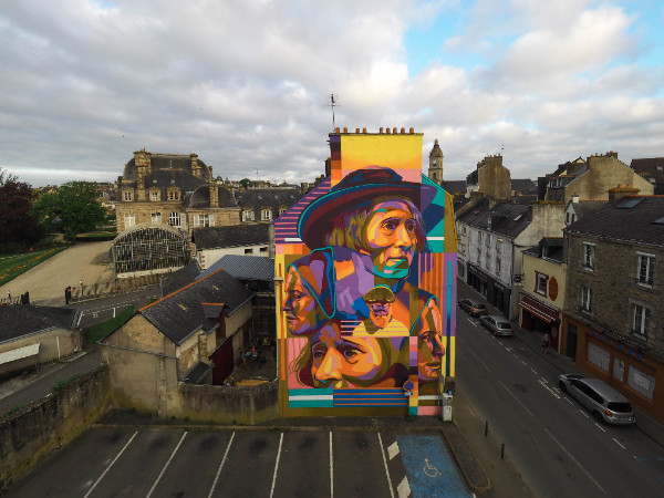 Dourone strikes at Vannes for Street Art Avenue