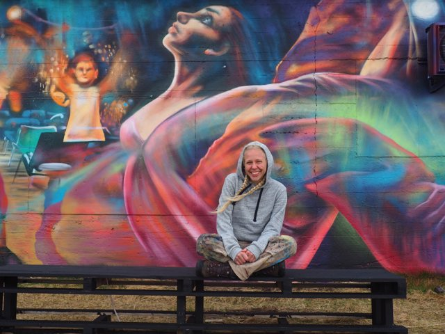 Yasja Ligtelijn mural in Iceland