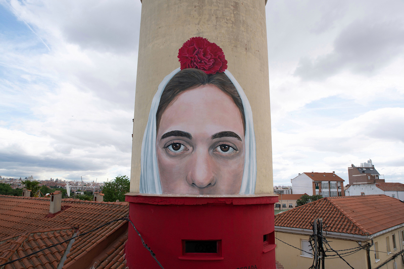 """La Chulapa"" mural by Jorge Rodríguez-Gerada in Madrid"