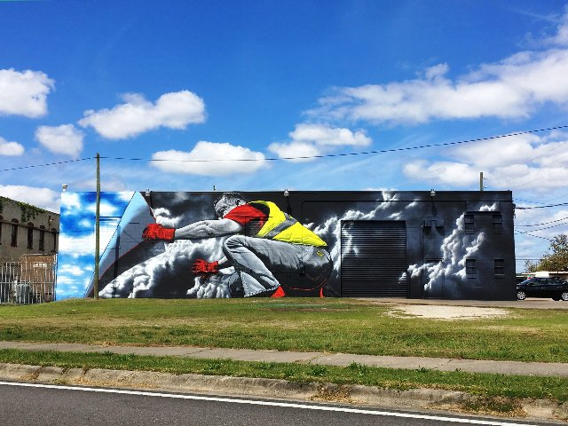 New MTO mural supports Yellow Vests Movement in France