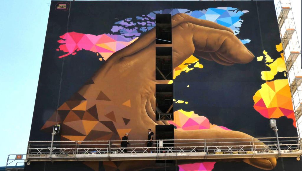 Mr. Dheo and Pariz One paint student residence in Porto
