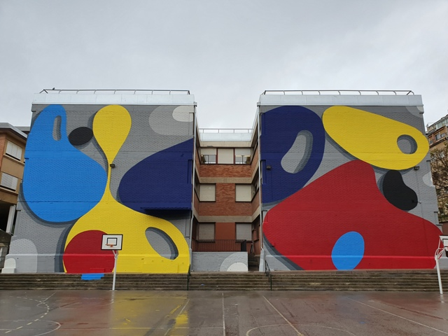 Santiago Jaén paints first mural in L'Hospitalet de Llobregat