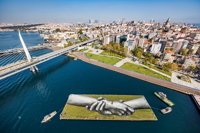 Beyond Walls project by SAYPE in Istanbul