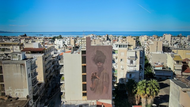 Siguel presents 7th mural for ArtWalk in Patras