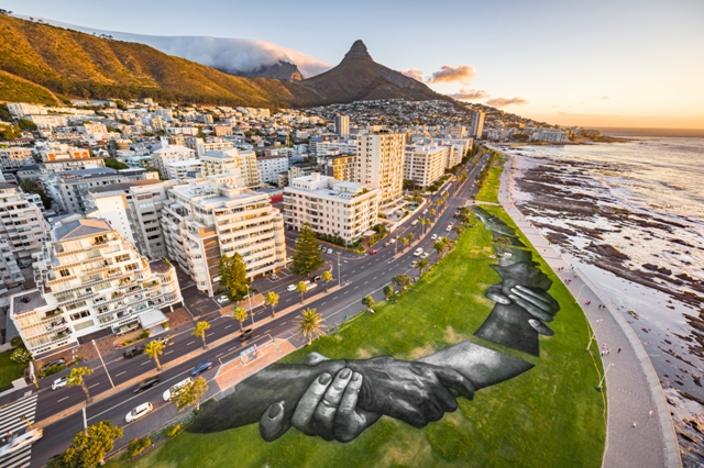 The Largest Human Chain Crosses Cape Town