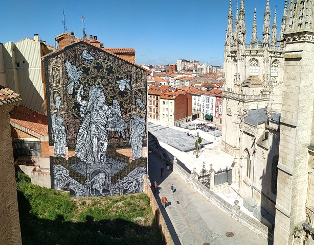MonkeyBird paint monumental stencil tribute to Burgos Cathedral