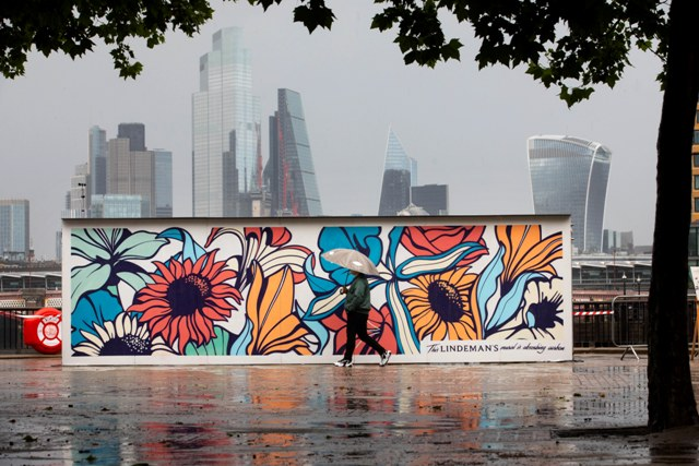 Nerone Carbon absorbing mural appears in London